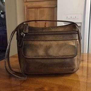 🦋 Fossil Distressed Brown Leather Purse